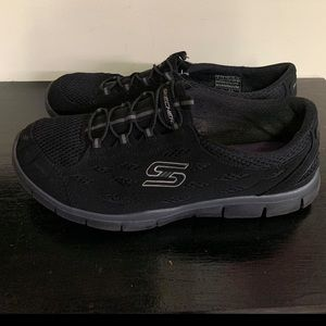 Sketchers Memory Foam Sneakers